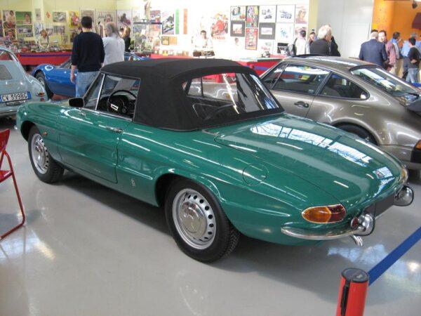 Alfa Romeo Duetto Spyder