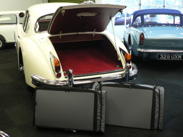Jaguar XK150 Luggage